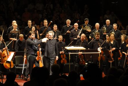 Joshua Bell and Louis Langrée with the Mostly Mozart Festival Orchestra, Avery Fisher Hall, 8/17/12