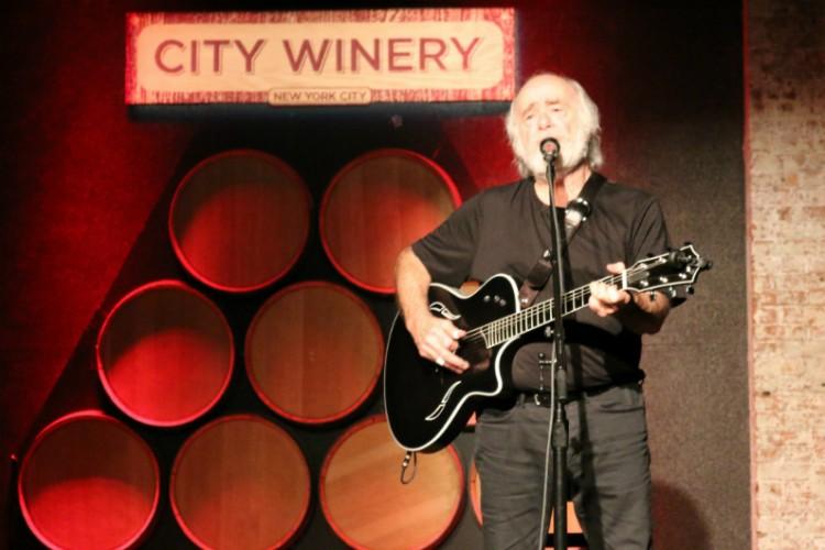 Robert-Hunter-City-Winery-NYC-2014-acoustic-guitar-singing-750x0