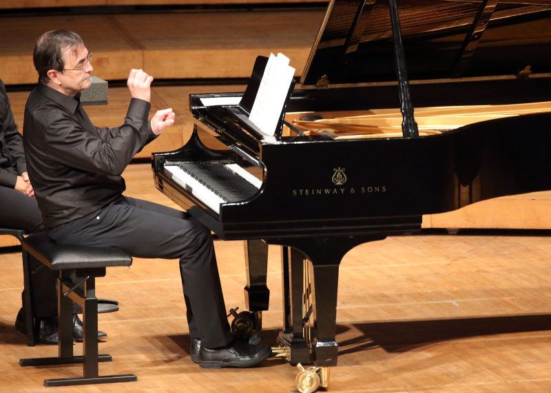 Pierre-Laurent Aimard performs music inspired by birds in Ozawa Hall (Hilary Scott)